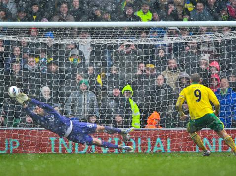 Artur Boruc saves Grant Holt's injury-time penalty