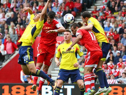 Jose Fonte heads in the late equaliser against Sunderland.