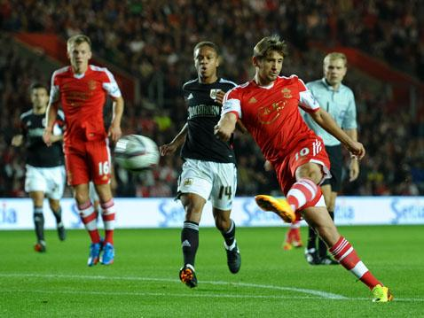 Gaston Ramirez fires Saints in front with a fierce volley