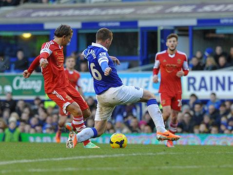 Gaston Ramirez fires home Saints' (short-lived) equaliser at Goodison Park